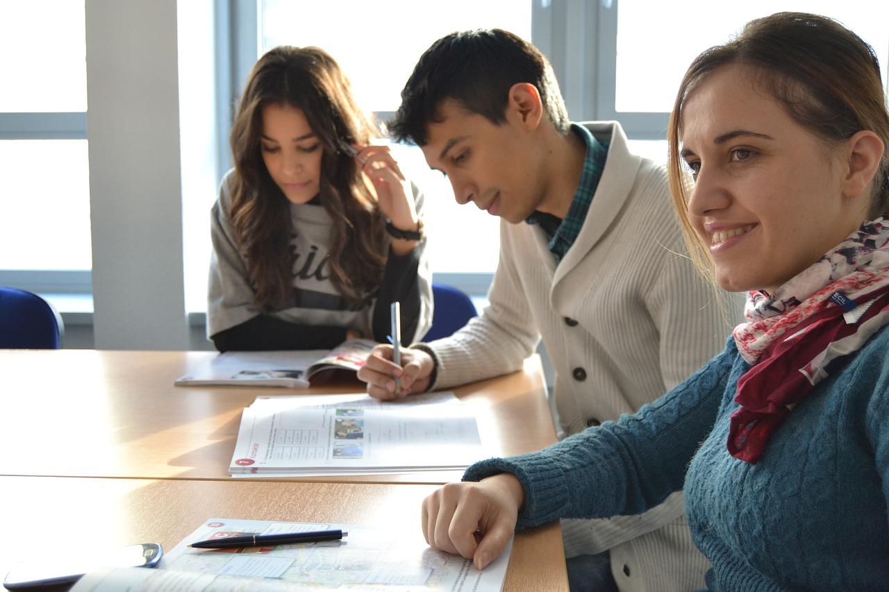 cours de soutien scolaire en petit groupe